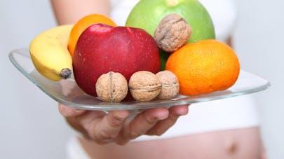 enceinte, maman, junk food, fruits