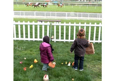 Chasse aux oeufs à Longchamp