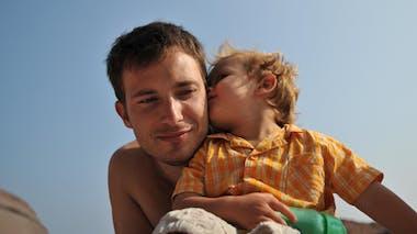 Maël, 3 ans, et son papa