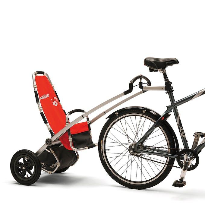Au commencement : une poussette tirée par un         vélo…