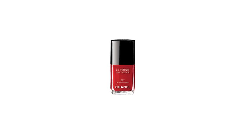 Vernis à ongles rouge rubis