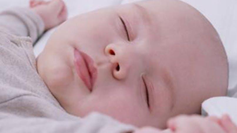 Un bébé chinois « mort » pleure avant   l'incinération