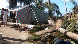 zone dévastée aux Philippines après le passage du       typhon