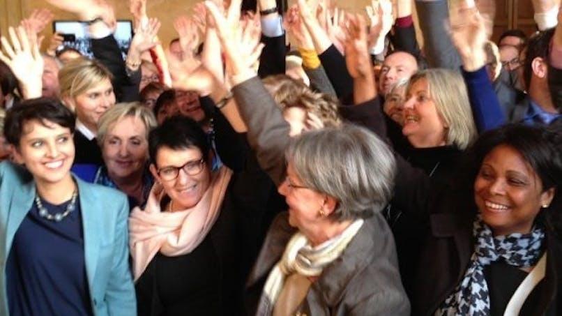 Congé parental: La délégation aux droits des femmes   partagée sur une des mesures du projet de loi
