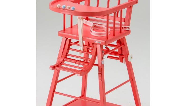 Chaise haute transformable de Combelle :   ultra-traditionnelle