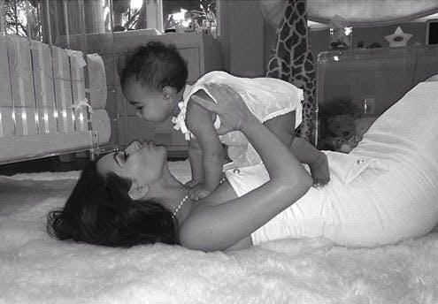 Kim Kardashian (fête des mères 2014)