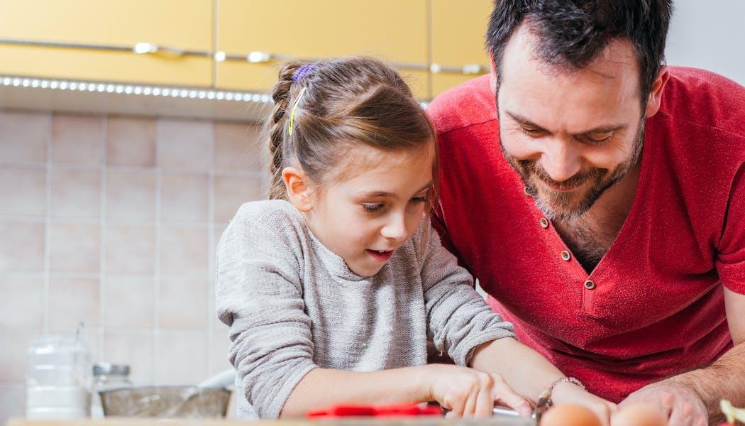 Mandat d'éducation quotidienne pour les beaux-parents :  nouvelle loi, nouveau droit ?