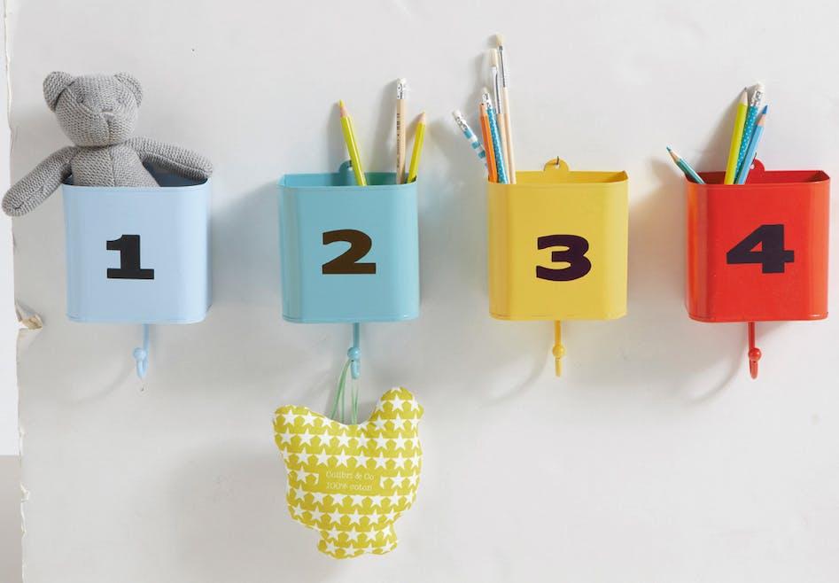 Pots à crayons suspendus