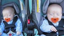 S'équiper quand on attend des jumeaux: faut-il tout avoir en double?