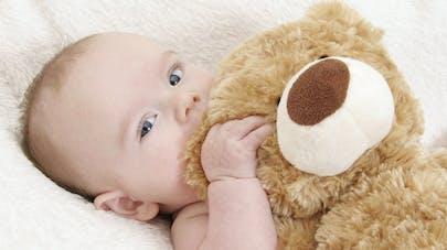 Doudou De Bebe Comment Bien Le Choisir Parents Fr