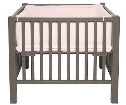 parc pour b b bien choisir le parc de son b b. Black Bedroom Furniture Sets. Home Design Ideas