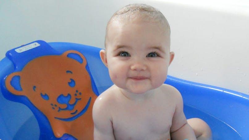 Prudence avec les sièges de bain pour bébés