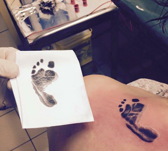 Le tatouage de Laura pour Noémie
