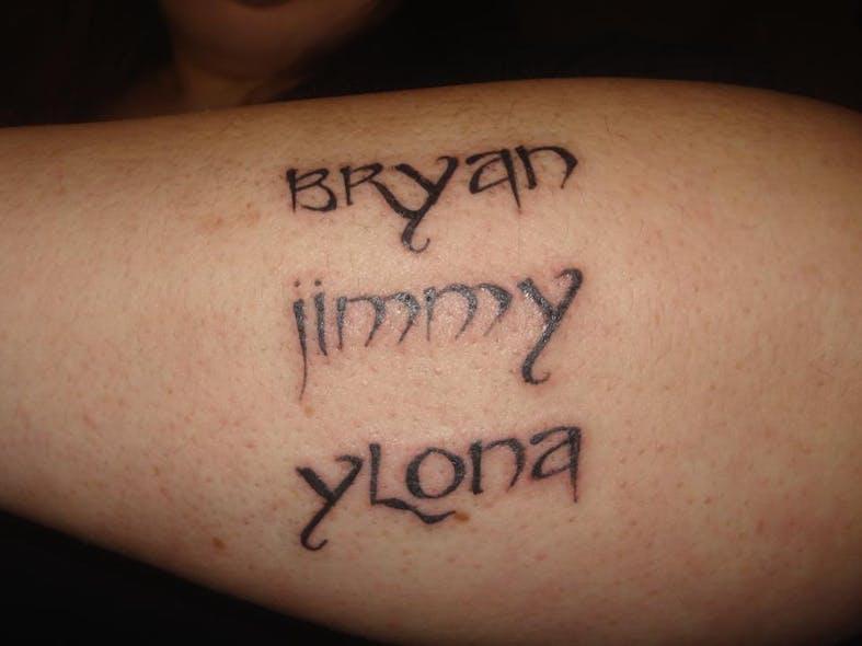 Le tatouage de Stéphanie pour Bryan, Jimmy et         Ylona