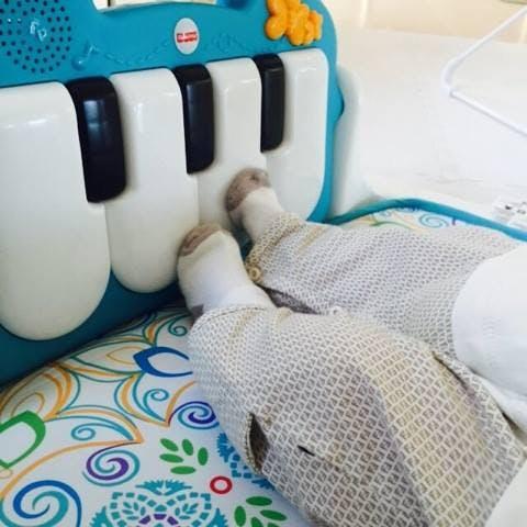 Sasha joue du piano !