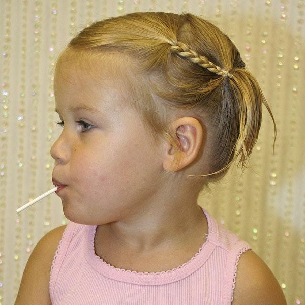 Idee coiffure fillette cheveux court