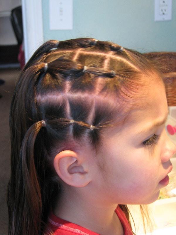 La coiffure des enfants Г l'Г©cole Г©tape par Г©tape avec une photo