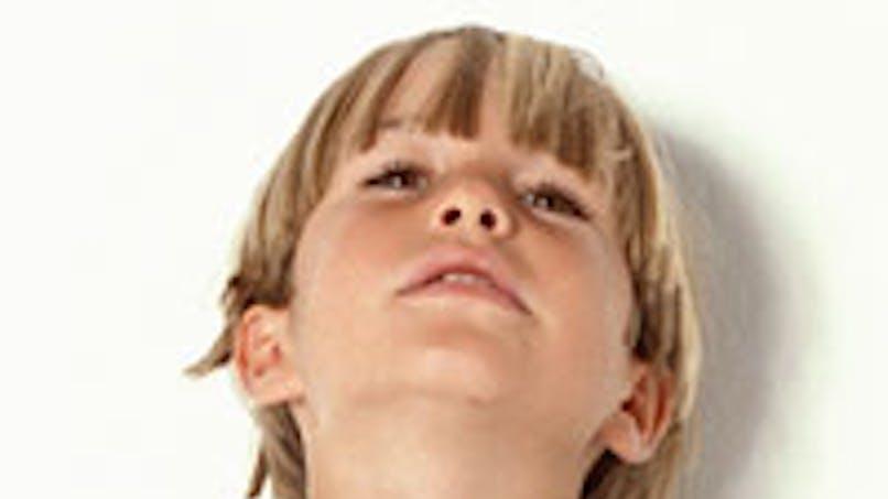 Un garçon de 11 ans se déguise en Christian Grey et se   fait exclure du collège