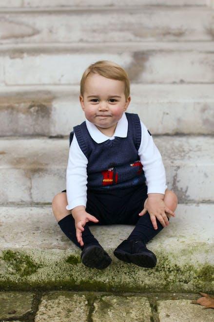 Le Prince George prend la pose pour Noël