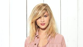10 coiffures qui affinent le visage