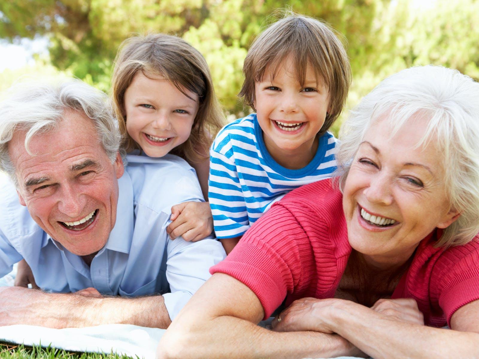 Grands Parents Leur Rôle Auprès Des Petits Enfants