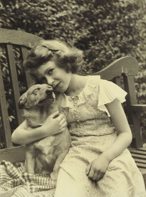 La reine Elizabeth II petite