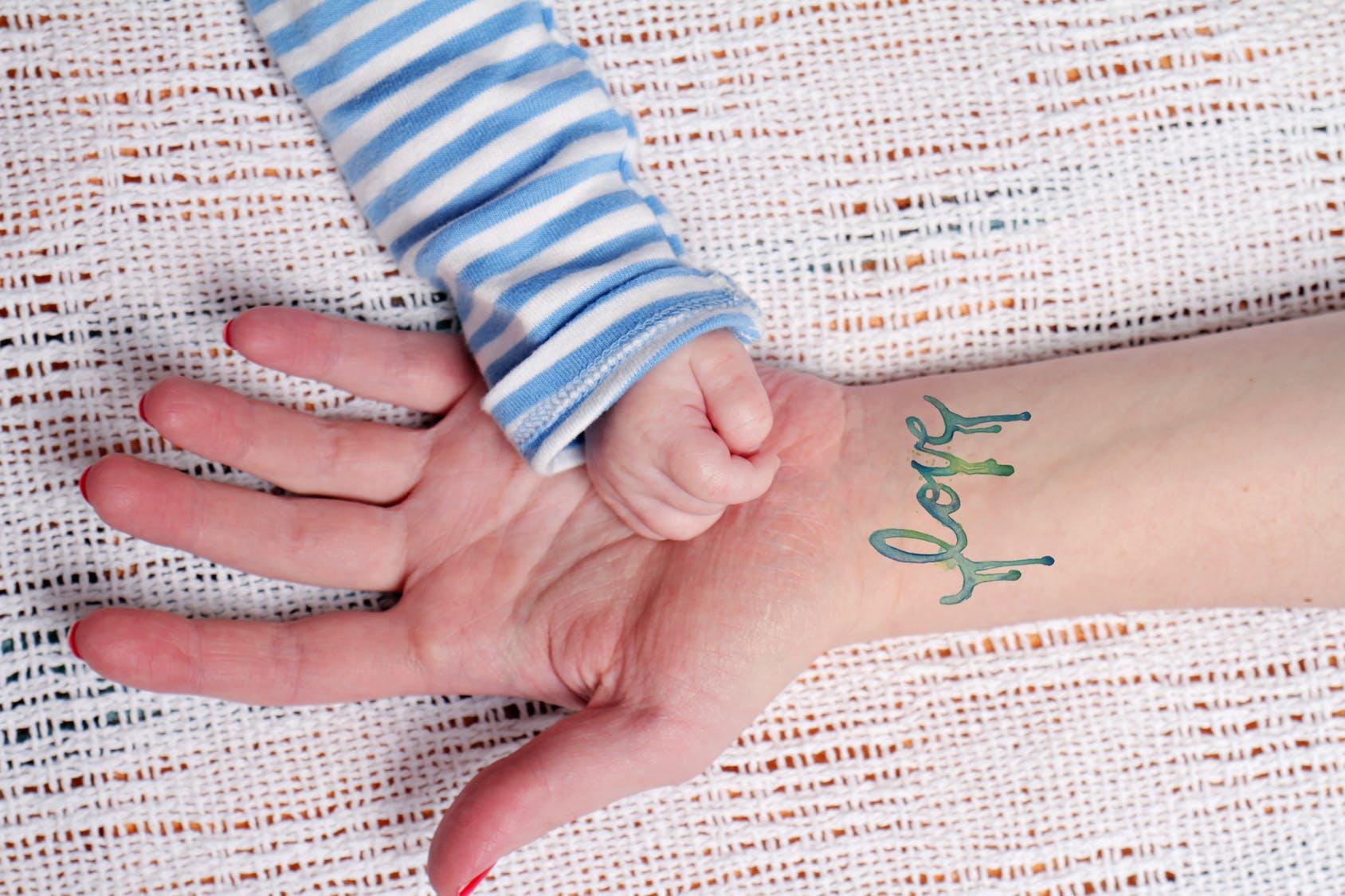 Tatouage Les Mamans Ont Leur Bebe Dans La Peau Parents Fr