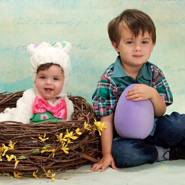 Milo et Elizabella fêtent Pâques