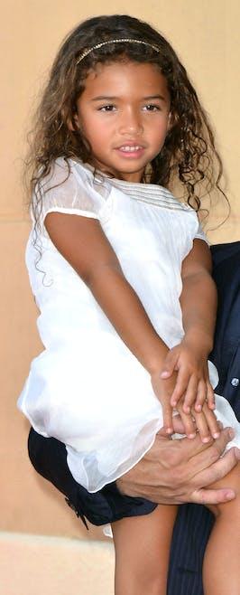 Mais qui est le père de cette adorable princesse         ?