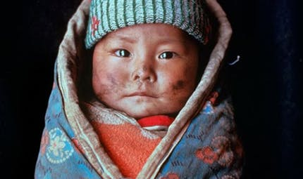 Maternage des bébés selon les cultures