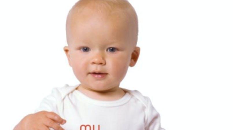 Insolite : des bodies pour les bébés nés grâce à Tinder