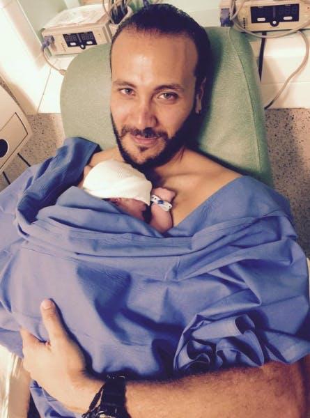 Merwan Rim à la maternité