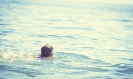 Noyade : les bons gestes pour sauver votre enfant