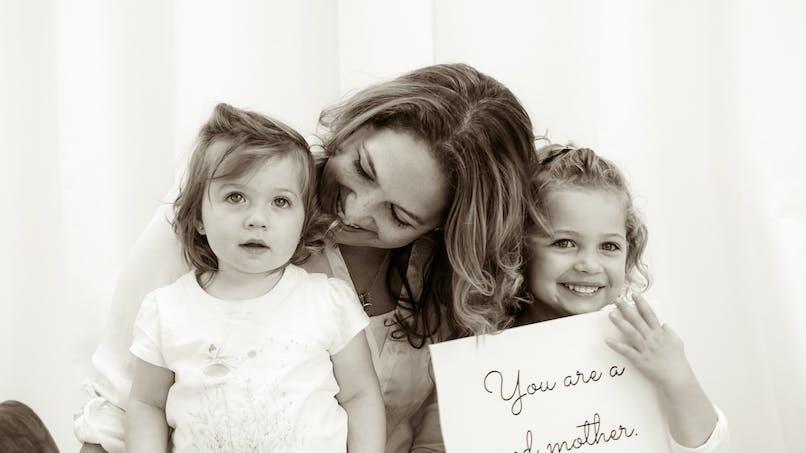 Dépression du post partum : 15 mamans nous donnent une  belle leçon de solidarité (images)