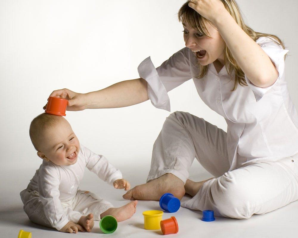 Lit Au Sol Montessori Quel Age montessori : de plus en plus de mamans s'en inspirent