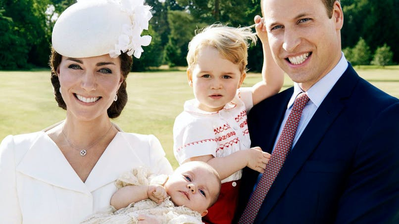 Royal baby : les photos officielles du baptême   dévoilées