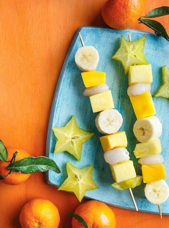 Dessert : brochettes de fruits exotiques
