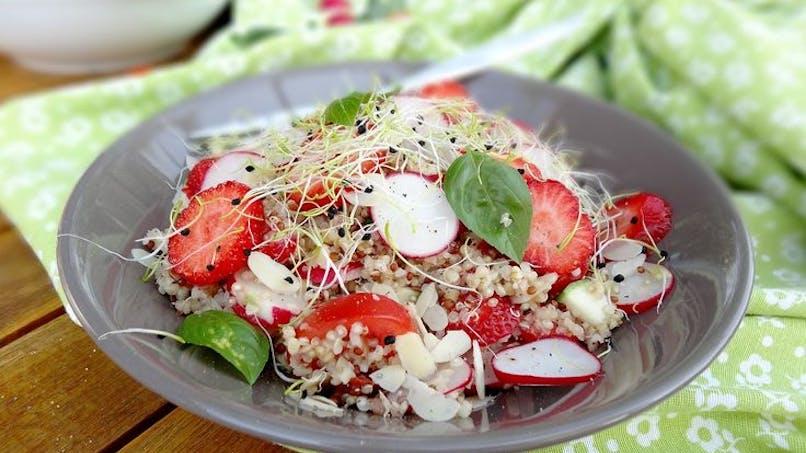 Entrée : salade de quinoa aux fraises