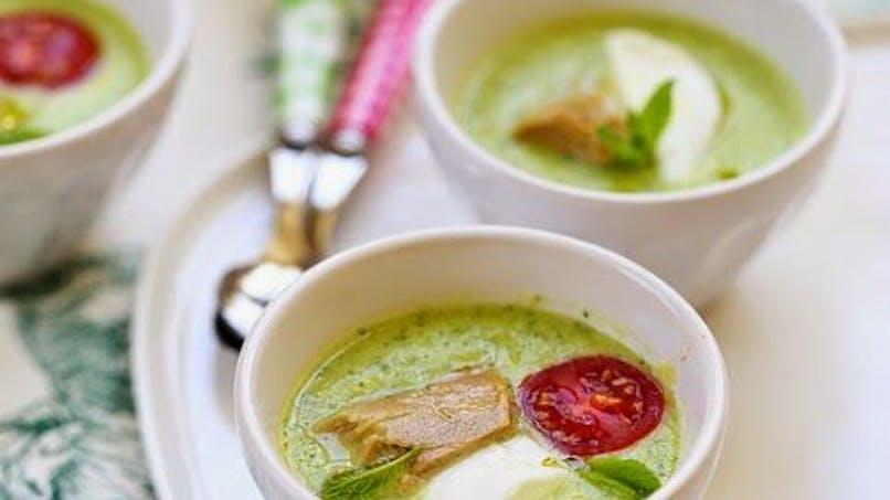 Entrée : soupe froide courgette et mozzarella