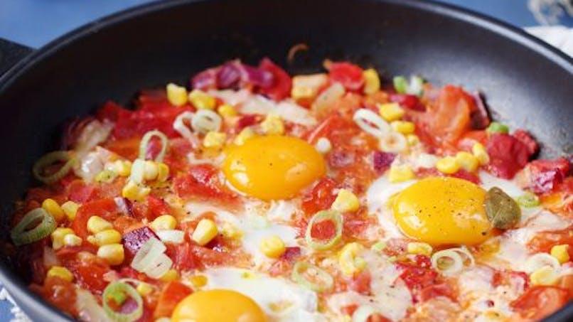 Plat : poêlée de tomates poivrons, maïs et oeufs