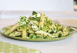 Plat : salade de pâtes fraîches à la ciboulette