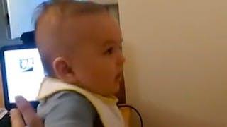 Vidéo : un bébé de 3 mois dit je t'aime à son papa