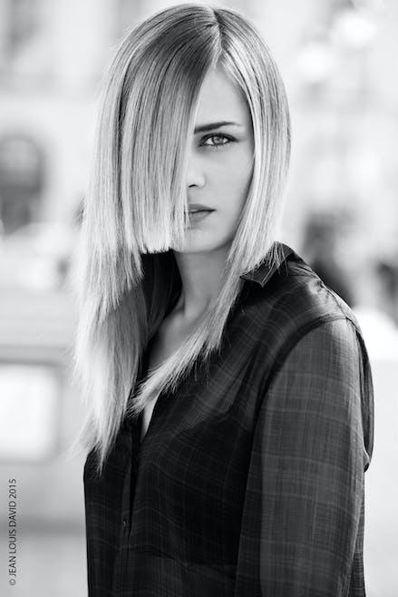 Cheveux longs devant et courts derrière