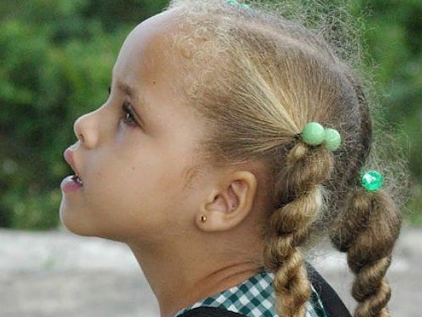 Coiffures Enfants Des Modeles Pour Cheveux Frises Parents Fr