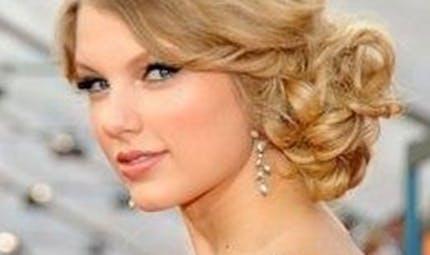Taylor Swift chante en hommage à un petit garçon mort d'un   cancer