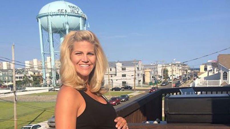 Etats-Unis : une miss météo vivement critiquée parce   qu'elle est enceinte !