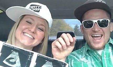 Vidéo : Ils annoncent l'arrivée de leur bébé avec un rap délirant !