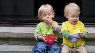 Jumeaux : un développement différent des enfants uniques