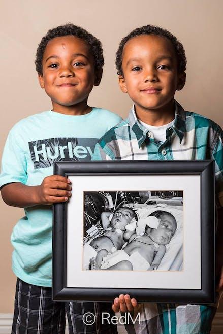Noah et Nathan, nés à 32 semaines.