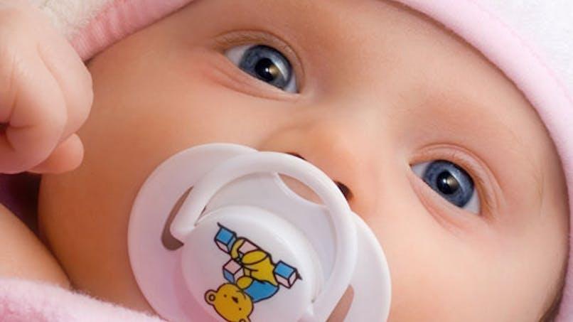 La tétine retarderait le développement du langage chez   l'enfant